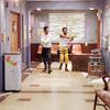 аватары: Двое в коридоре