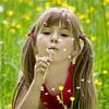 аватары: Девочка с одуванчиком