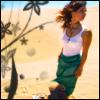 аватары: Девушка в розовом топе