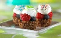 аватары: небольшие пирожиные с ягодами