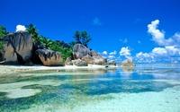 аватары: Красивой формы большие камни у воды