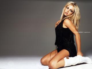 обои Britney Spears в черном фото
