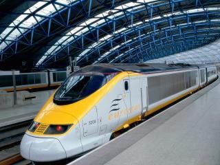 обои Поезд на станции в Лондоне фото