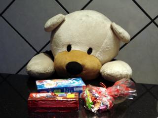 обои Bear and sweetnesses фото