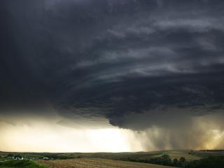 обои Торнадо над Канзасом фото