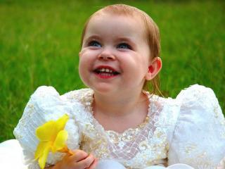 обои Счастливая девочка фото