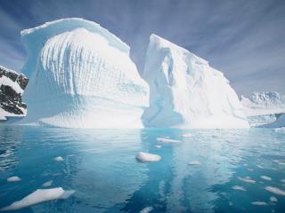 обои Гигантский айсберг фото