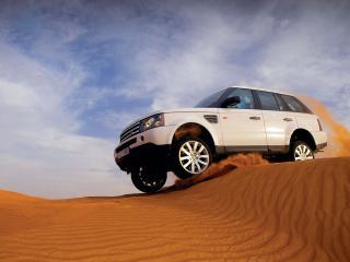 обои Рэйндж ровер в пустыне фото