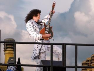 обои Гитара в классическом стиле фото