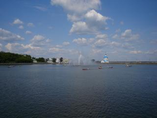 обои Чебоксарский залив с фонтаном фото