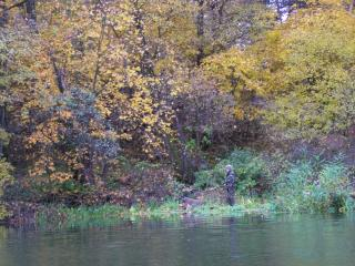 обои Осенняя рыбалка на реке фото