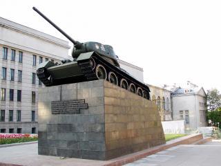 обои Памятник танк в Белоруссии фото