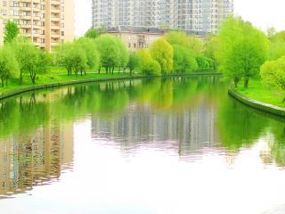 обои Весенний пруд в Минске фото