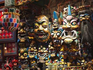 обои Карнавальные маски демонов фото