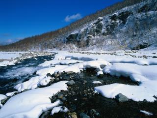 обои Бурлящий ручей зимой в Китае фото