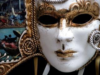 обои Белая с золотом маска господина фото