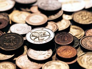 обои Взгляд на кучу монет сбоку фото