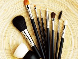 обои Косметика - Набор кистей для макияжа фото