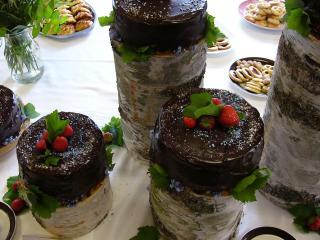 обои Шоколадные тортики с ягодами фото