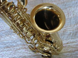 обои Золотой саксафон фото