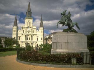 обои Памятник с конем фото