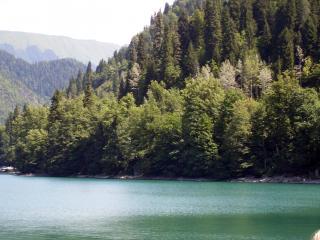 обои Озеро Рицца в Абхазии фото
