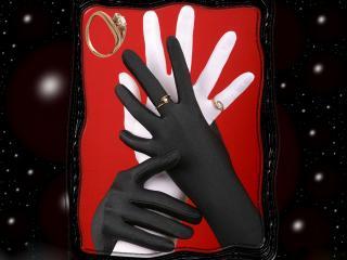 обои Кольца на черно-белых перчатках фото