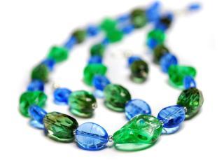 обои Сине-зеленые бусы фото
