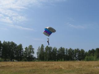 обои Шоу парашютистов фото