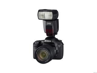 обои Фотоаппарат Canon с большой вспышкой фото