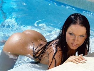Красивые девушки в бассейне фото, порно японки в ванне