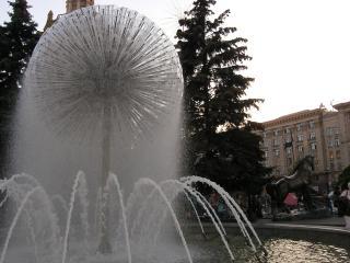 обои Необычный фонтан фото