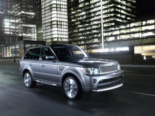 обои Джип Range Rover на пустынной, ночной дороге фото