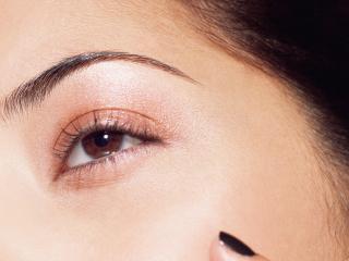 обои Макияж глаза - Пастельные коричневые тени фото