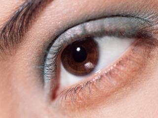 обои Макияж глаза - Бледные голубые тени фото
