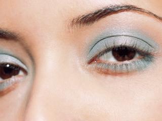 обои Макияж глаз - Нежные бирюзовые тени фото