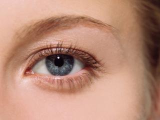 обои Макияж глаза - Естественные блестящие тени фото