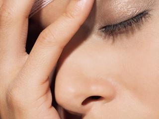 обои Макияж глаза - Нежные коричневые тени фото