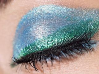 обои Макияж глаза - Закрытое веко цвета морской лазури фото