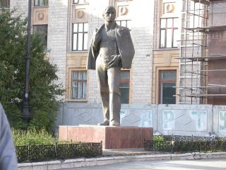 обои Челябинск-памятник студенту фото