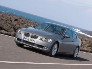 обои BMW 335i Купе вид спереди фото