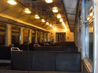 обои Ночной дизель поезд фото