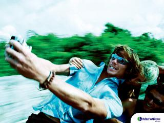 обои Парень фотографирует себя реклама мегафона фото