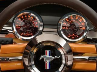 обои для рабочего стола: Ford Mustang  приборная панель