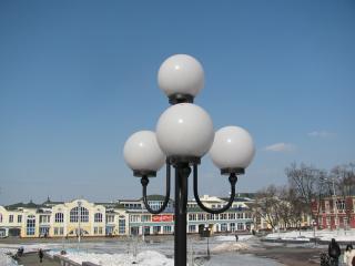 обои Фонарь с круглыми белыми лампами фото
