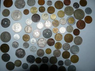 обои Куча различных монеток фото