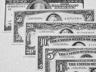обои Американские доллары разной ценности фото