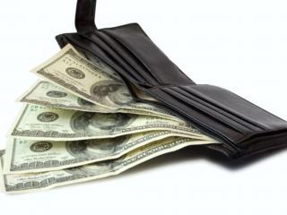 обои Бумажник со стодолларовыми купюрами фото