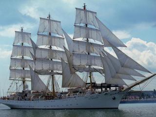 обои Корабль - символ богатства фото