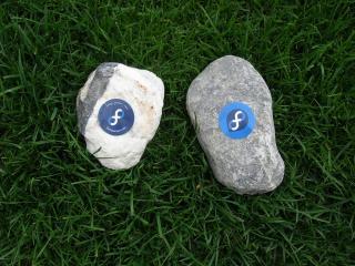 обои Fedora rocks фото